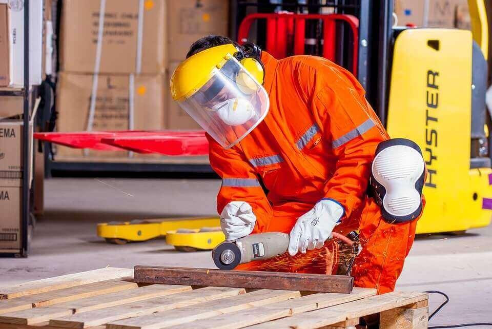 הגנה על העיניים במקום העבודה